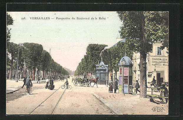 AK Versailles, Perspective du Boulevard de la Reine 0
