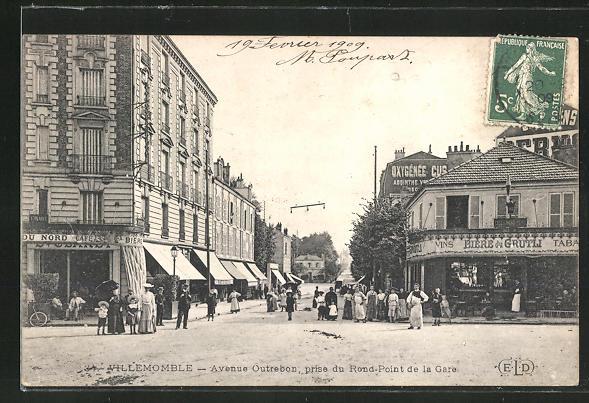 AK Villemomble, Avenue Outrebon, prise du Rond-Point de la Gare