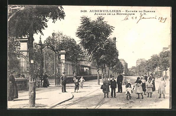 AK Aubervilliers, Entree du Square, Avenue de la Republique, Kinder