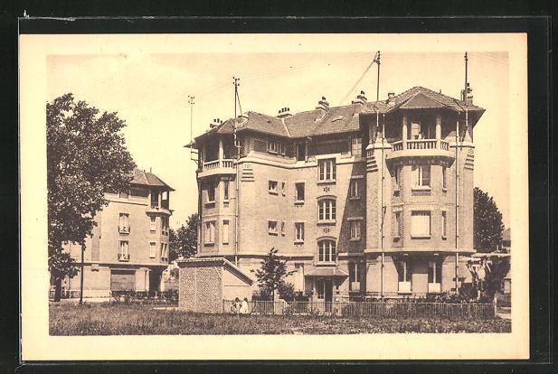 AK Stains, Blick auf ein mehrstöckiges Haus 0
