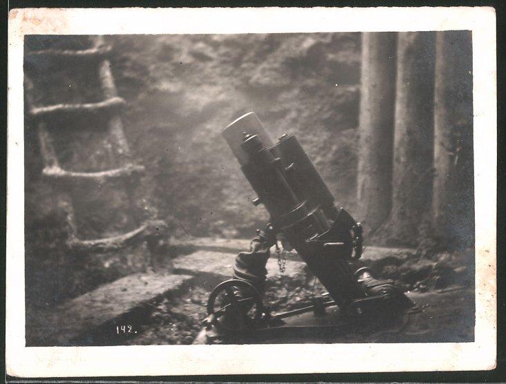 Fotografie 1.WK, Minenwerfer-Mörser in einem Schützengraben an der Front