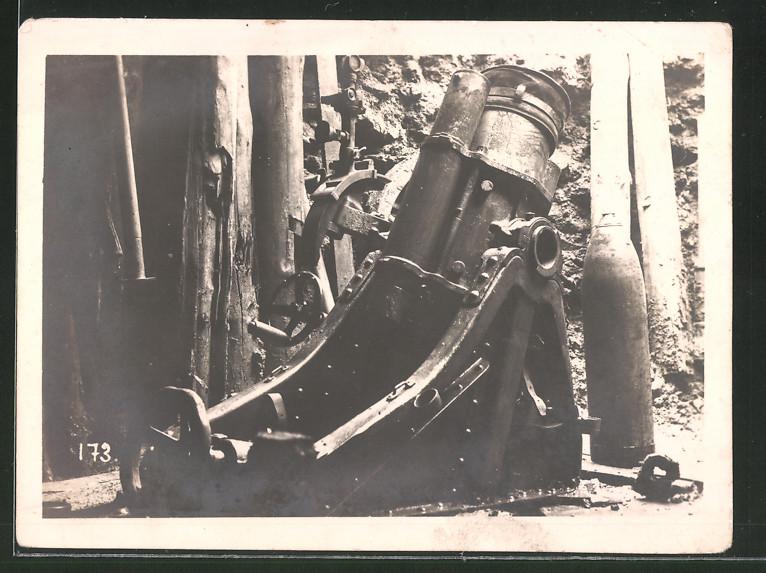 Fotografie 1.WK, Schützengrabenkrieg, Mörser in einem Graben an der Front