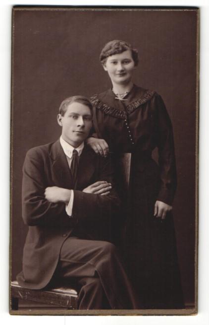Fotografie S. Sohlin, Helsingborg, Portrait junges bürgerliches Paar