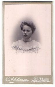 Fotografie C. A. Eliason, Göteborg, Portrait Fräulein mit Hochsteckfrisur
