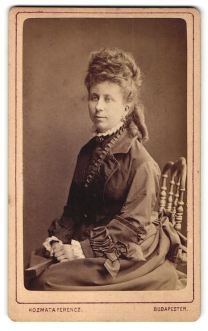 Fotografie Kozmata Ferencz, Budapesten, Portrait Dame mit aufwendiger Frisur