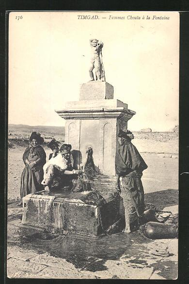 AK Timgad, Femmes Chouia a la Fontaine