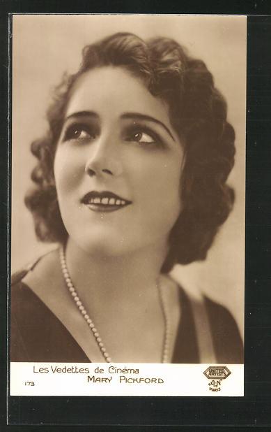 AK Schauspielerin Mary Pickford suchend nach oben schauend