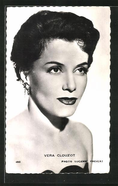 AK Schauspielerin Vera Clouzot fragend seitlich blickend