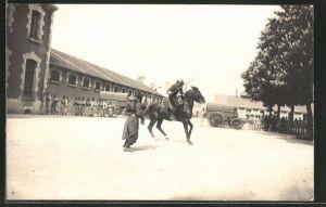 AK Infanterie bei der Übung mit Pferd und Bajonett