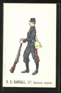 Künstler-AK Französischer Soldat der Infanterie in Uniform mit Gewehr und englischen Schuhen