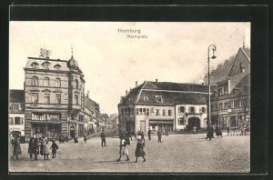 AK Homburg, Marktplatz mit Gebäudeansicht und Passanten