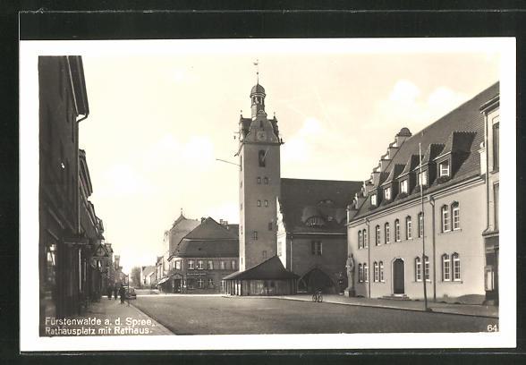 AK Fürstenwalde an der Spree, Rathausplatz mt Rathaus