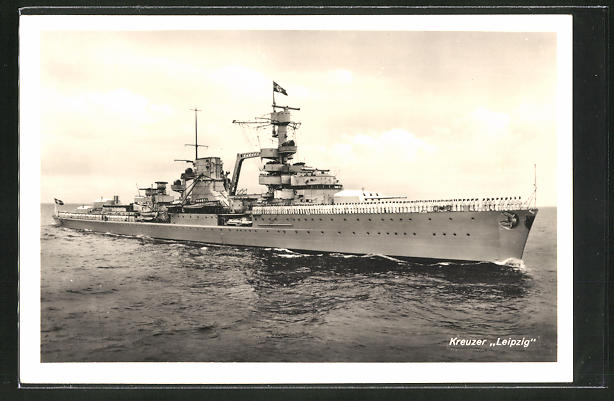 AK Kreuzer Leipzig der Kriegsmarine auf hoher See