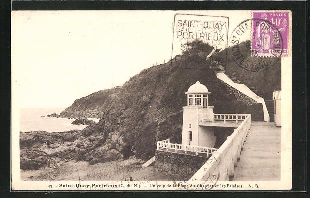 AK Saint-Quay Portrieux, La Plage du Chatelet et les Falaises, Leuchtturm