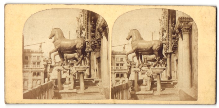 Stereo-Fotografie unbekannter Fotograf, Ansicht Venedig, The Bronze Horses of the Gate over St. Mark