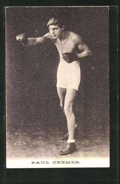 AK Boxer Paul Cremer posiert