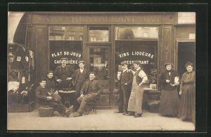 AK Männer und Frauen vor dem Weingeschäft von P. Lautrou