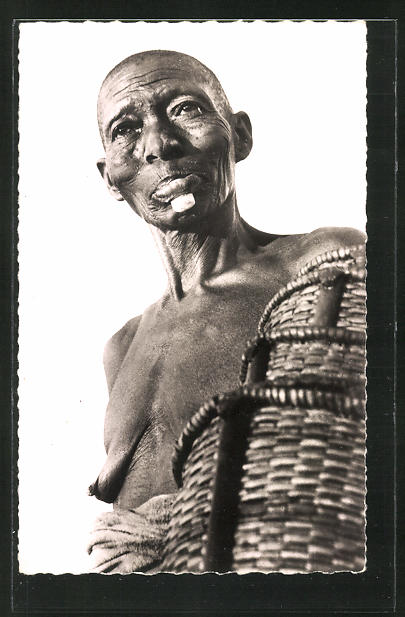 AK Bobo-Dioulasse, Vieille Femme Bobo, afrikanische Frau mit Körben