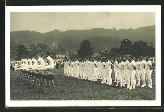 AK Luzern, Eidg. Turnfest 1928, Turner bei Übungen am Pferd
