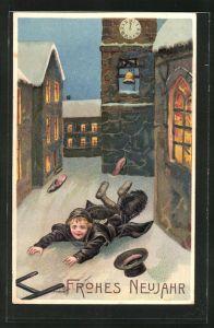 Präge-AK Schornsteinfegerjunge mit Besen und Zylinder im Schnee, Neujahrsgruss