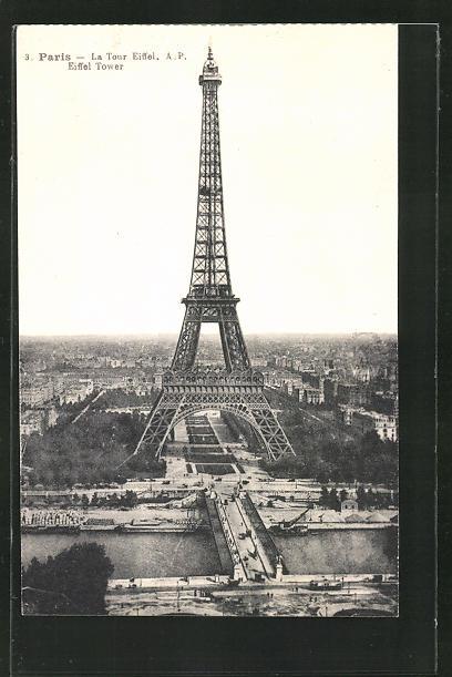 AK Paris, La Tour Eiffel, Eiffelturm mit Brücke und Park