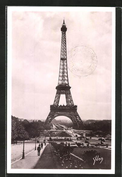 AK Paris, La Tour Eiffel, Eiffelturm, The Eiffel Tower