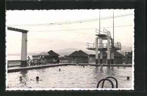 Foto-AK Massaua, Hotel-Schwimmbad mit Sprungturm