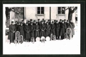 Foto-AK Schweizer Soldaten des Bat. 10 mit ihren Instrumenten