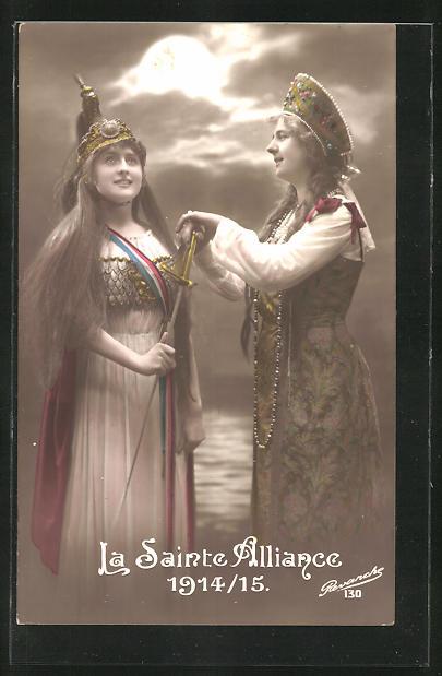 AK La Sainte Alliance 1914 /15, Frauen in Tracht mit Schwert & Pickelhaube, Propaganda Entente