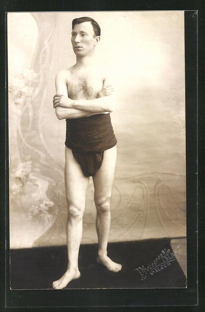 Foto-AK Zirkus-Künstler Mac Dermott in Unterwäsche