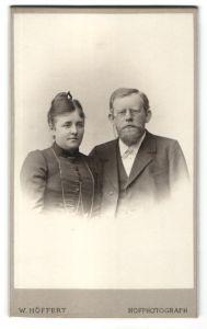 Fotografie W. Höffert, Berlin, Portrait bürgerliche Eheleute