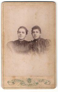 Fotografie C. Stichaner, Ulm, Portrait zwei junge Damen