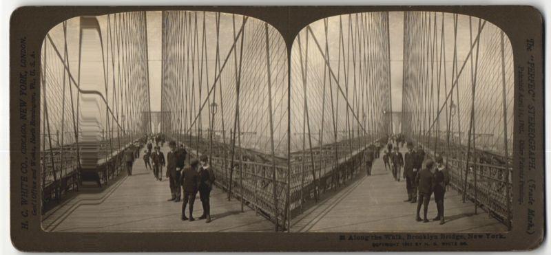 Stereo-Fotografie H. C. White Co., Ansicht New York, Promenade auf der Brooklyn Bridge