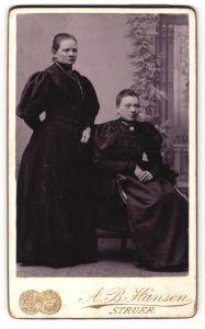 Fotografie A. B. Hansen, Struer, Portrait zwei junge Frauen
