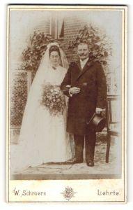 Fotografie W. Schroers, Lehrte, Portrait Braut und Bräutigam, Hochzeit