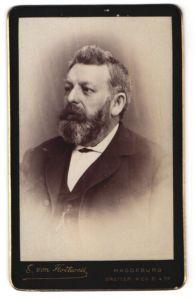 Fotografie E. von Flottwell, Magdeburg, Portrait Herr mit Bart