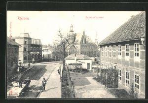 AK Uelzen, Bahnhofstrasse mit Passanten