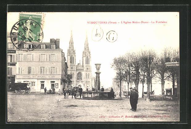 AK Vimoutiers, L'Eglise Notre-Dame, La Fontaine