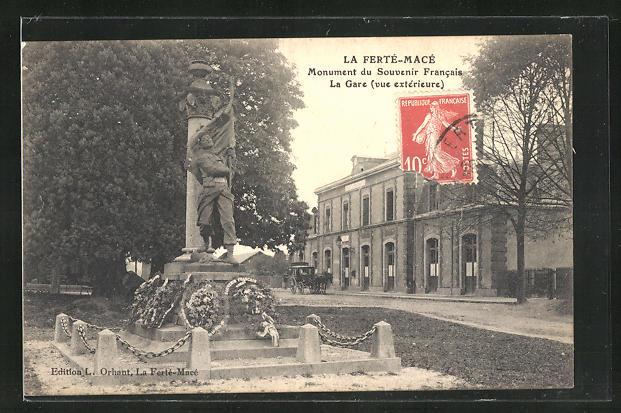 AK La Ferte-Mace, Monument du souvenir Francais, La gare, vue exterieure