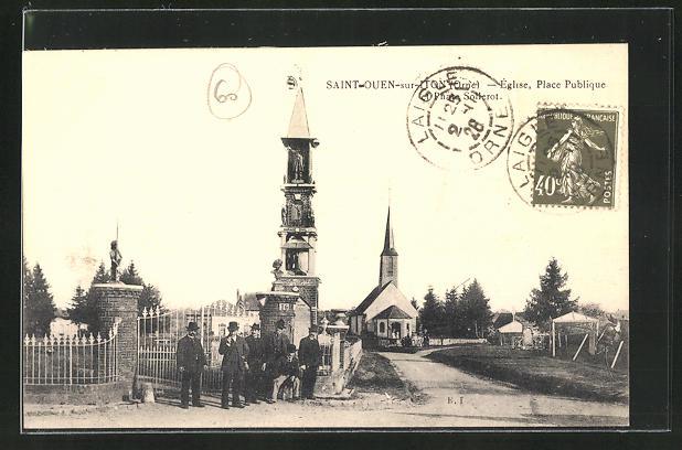 AK Saint-Ouen-sur-Iton, Eglise, Place Publique