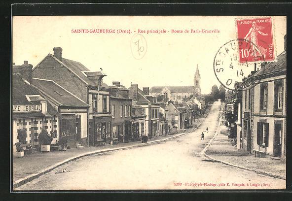 AK Sainte-Gauburge, Rue principale, Route de Paris-Granville