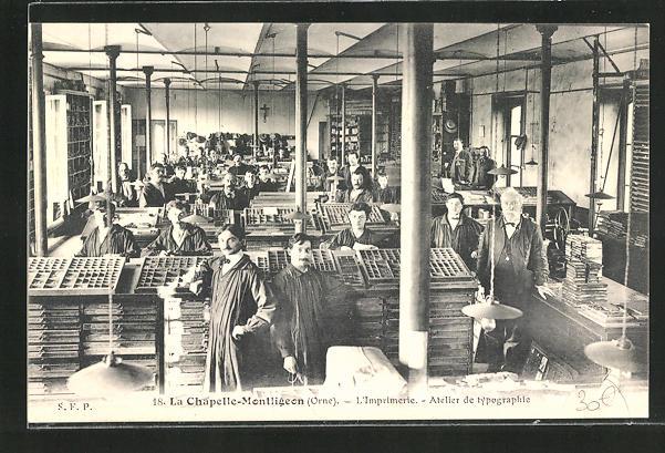 AK La Chapelle-Montligeon, Imprimerie, Atelier de typographie