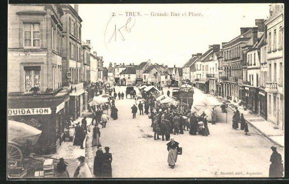 AK Trun, Grande Rue et Place, Vue generale