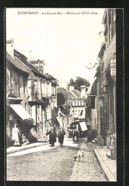 AK Domfront, La Grande Rue, Maison du XVIIe siecle