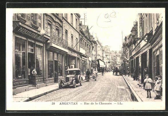 AK Argentan, Rue de la Chaussee, Strassenpartie