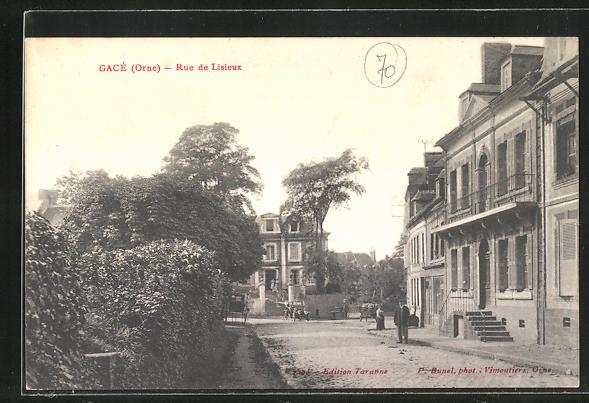 AK Gace, Rue de Lisieux, Strassenpartie