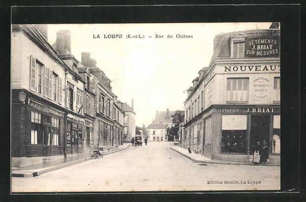 AK La Loupe, Rue du Chateau, Strassenpartie