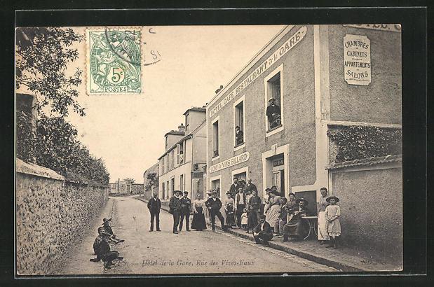 AK Voves, Hotel de la Gare, Rue des Vives-Eaux