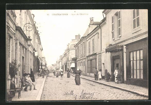 AK Chateaudun, Rue de Chartres, Strassenpartie