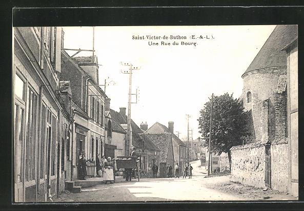 AK Saint-Victor-de-Buthon, Une Rue du Bourg, Strassenpartie